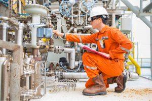Mechanical Engineer Troubleshooting Equipment
